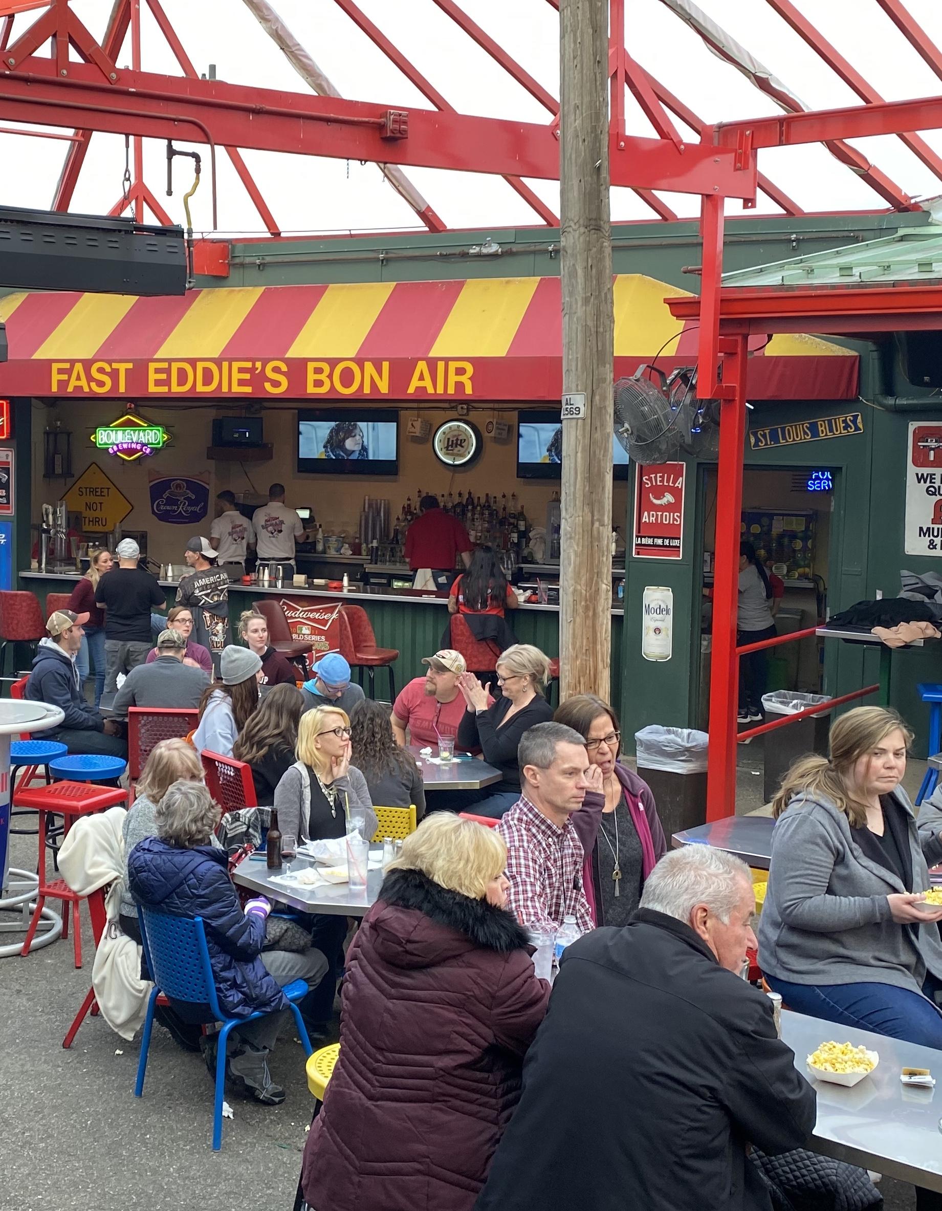 fast-eddies-bon-air-outside-back-bar